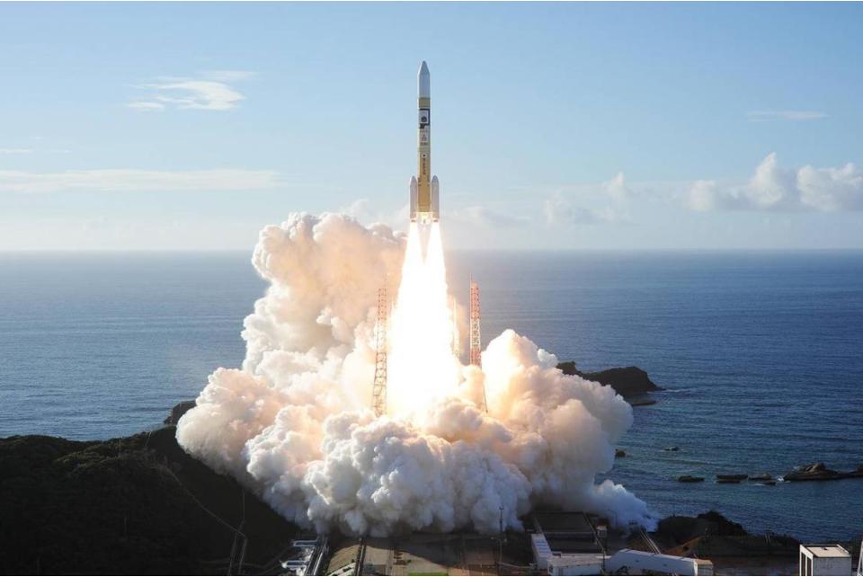 长二丁火箭成功发射陆地勘查卫星四号
